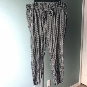 Old Navy Rayon Dress Pant with belt XL